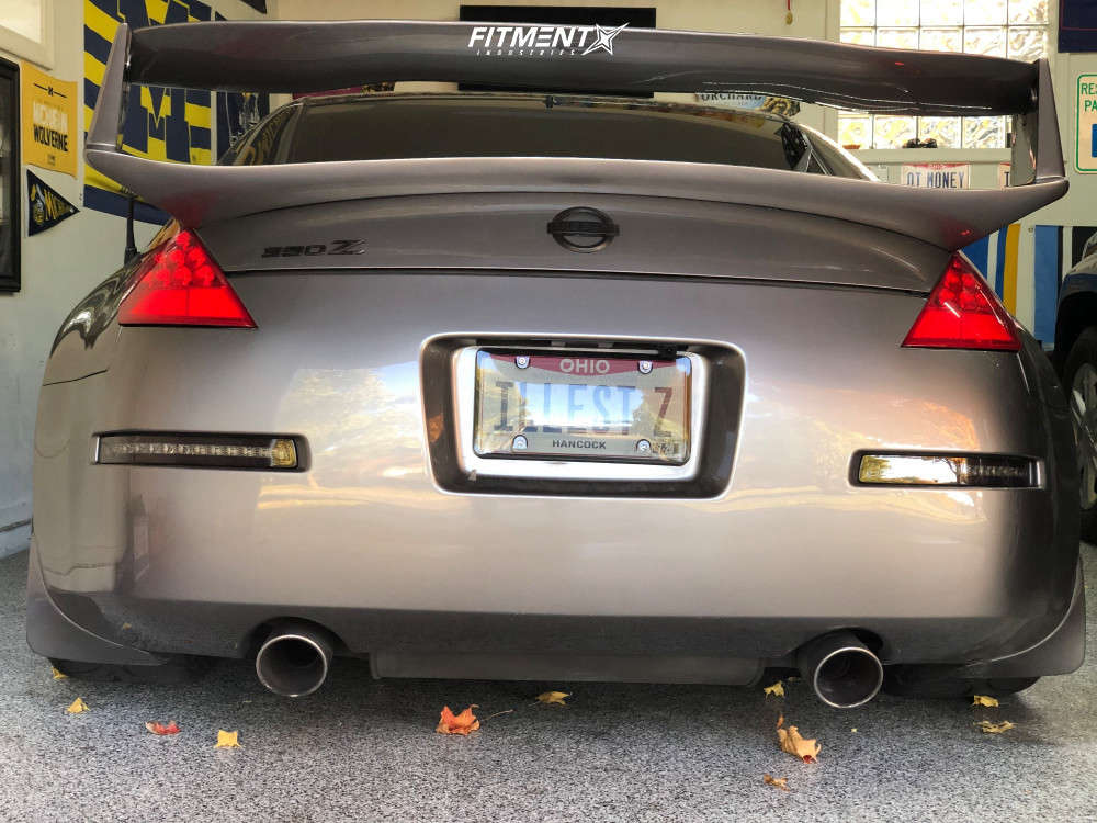 Nearly Flush 2008 Nissan 350Z with 19x9.5 Aodhan DS02 & Federal 595 Rs-rr 235/35 on Coilovers - Fitment Industries Gallery