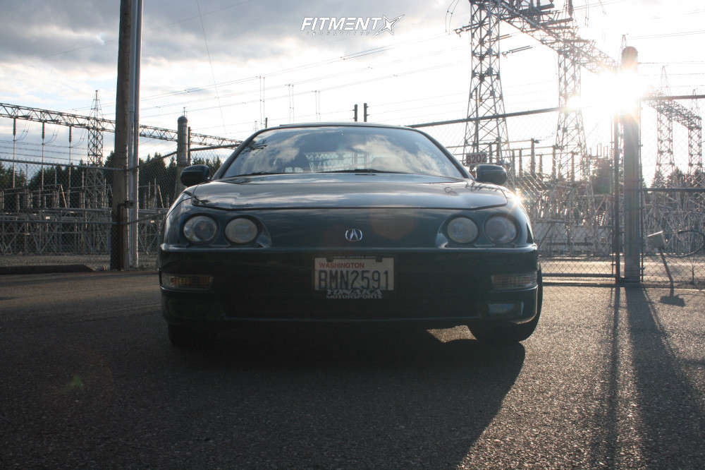 Tucked 2000 Acura Integra with 17x8 Konig Ampliform & Nankang NS-25 215/40 on Coilovers - Fitment Industries Gallery