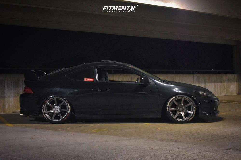Tucked 2005 Acura RSX with 18x9.5 7Twenty Style 55 & Federal 595 Evo 225/35 on Coilovers - Fitment Industries Gallery