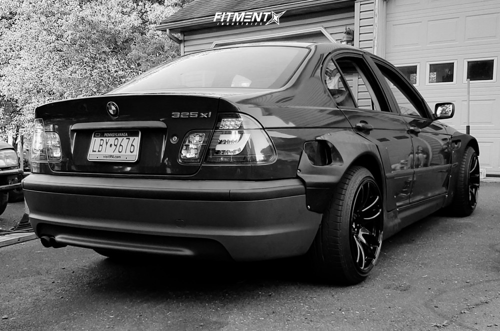 2002 Bmw 325xi Base With 18x10 5 Esr Sr08 And Dunlop 245x40 On Coilovers 1217483 Fitment Industries