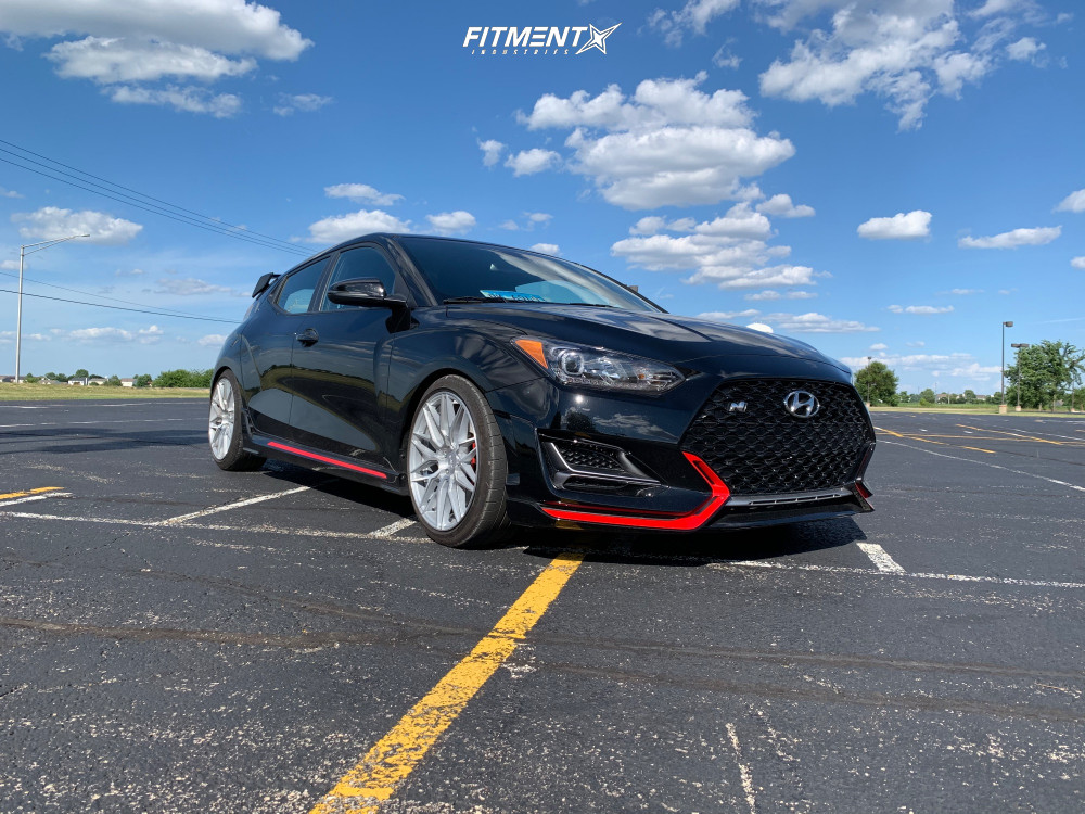 HellaFlush 2019 Hyundai Veloster N with 18x8.5 F1R F103 and Michelin Pilot Super Sport 225/40 on Lowering Springs - Fitment Industries Gallery