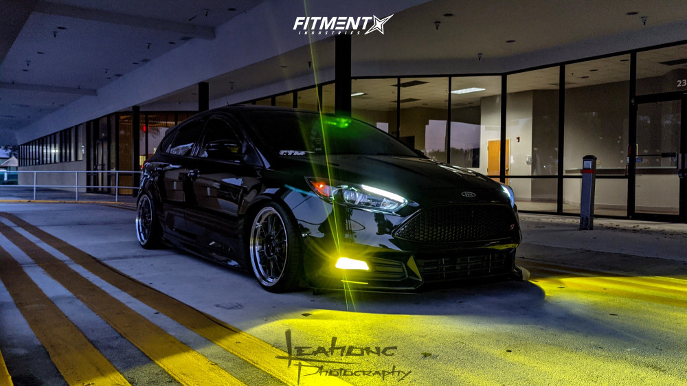 Focus ST with Raceland Coilovers