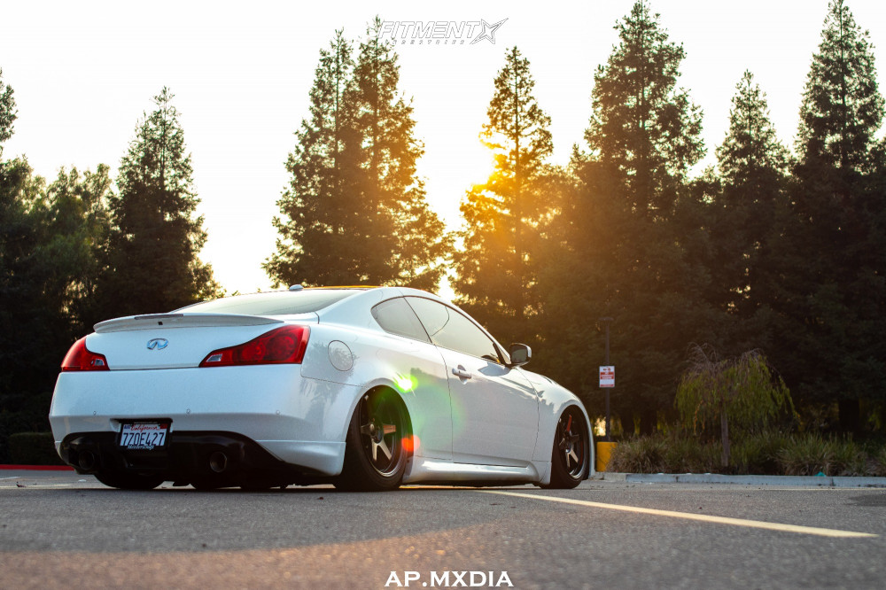 Bagged G37 Coupe