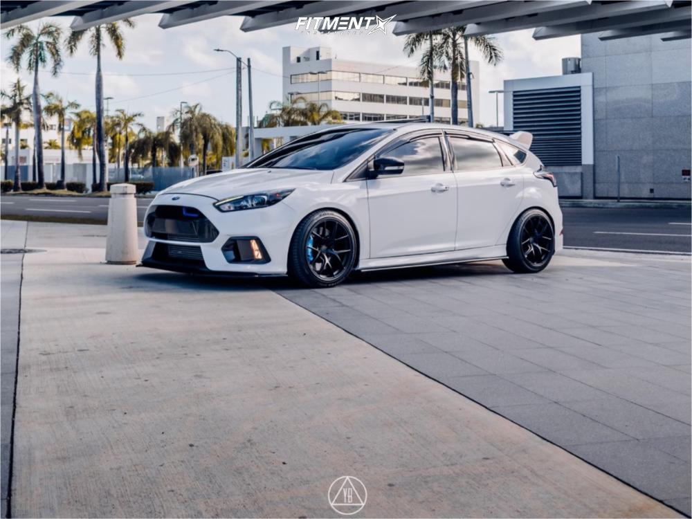 2015 Ford Focus | Rota Kb-r