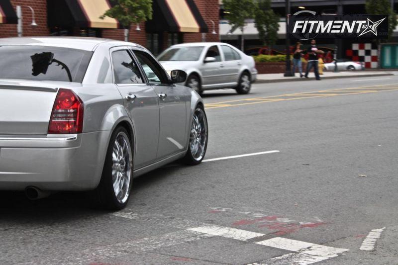 2006 300 Chrysler C 4dr Sedan Awd 57l 8cyl 5a Verde Kaos Kaos Chrome Flush 4910 2