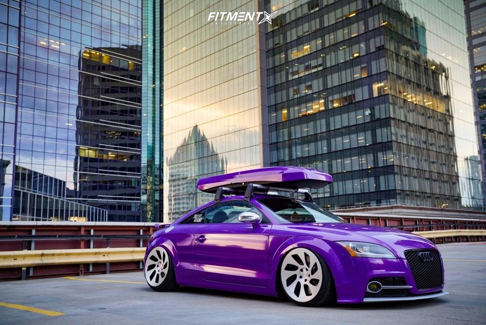 Slammed Audi TTS