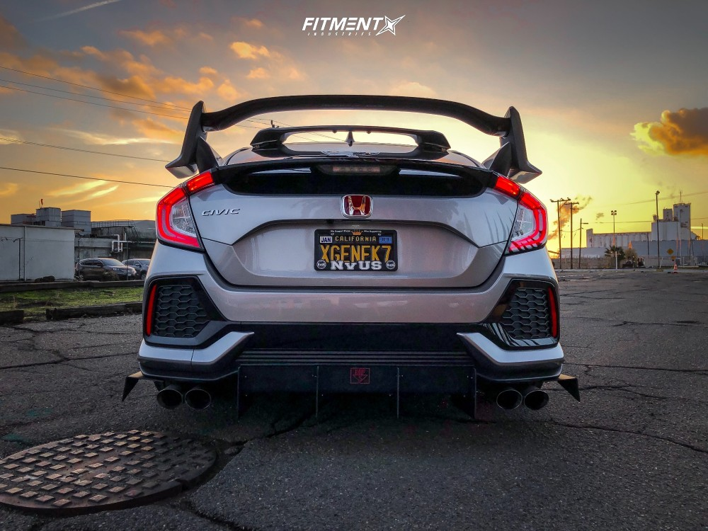 Nearly Flush 2018 Honda Civic with 18x8.5 Rotiform Rse and Ironman Imove 225/40 on Lowering Springs - Fitment Industries Gallery