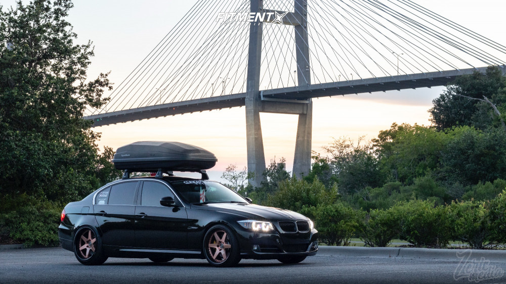335D with Thule Crate