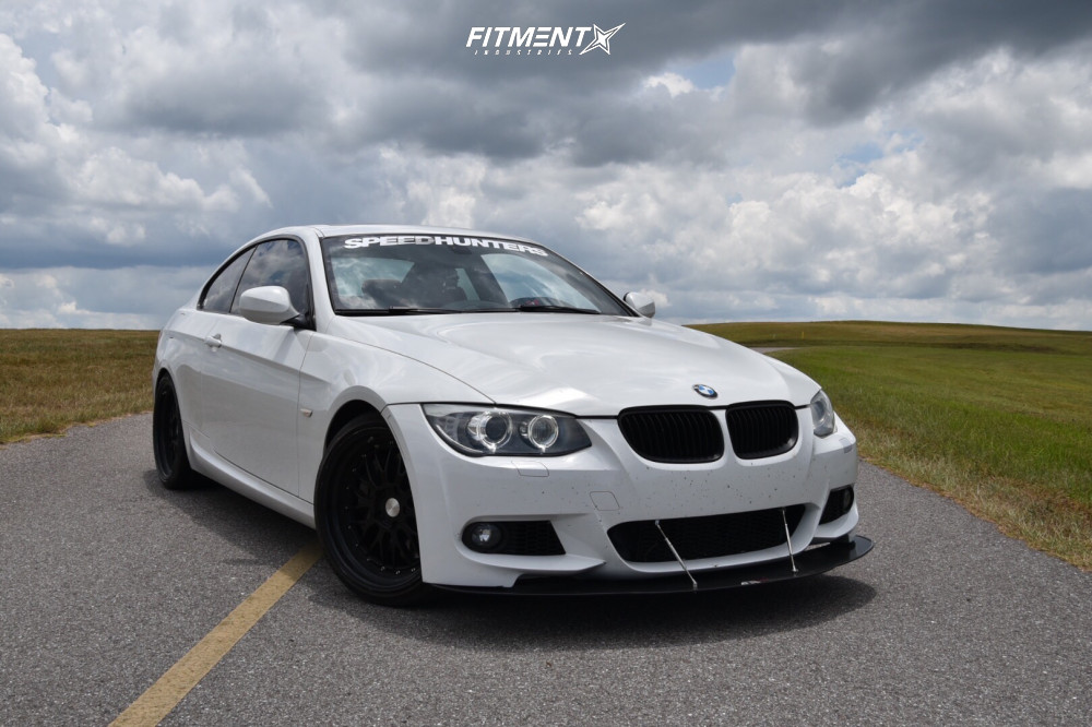 2011 Bmw 335i Base With 19x9 5 Esr Sr05 And Michelin 245x35 On Stock Suspension 718507 Fitment Industries