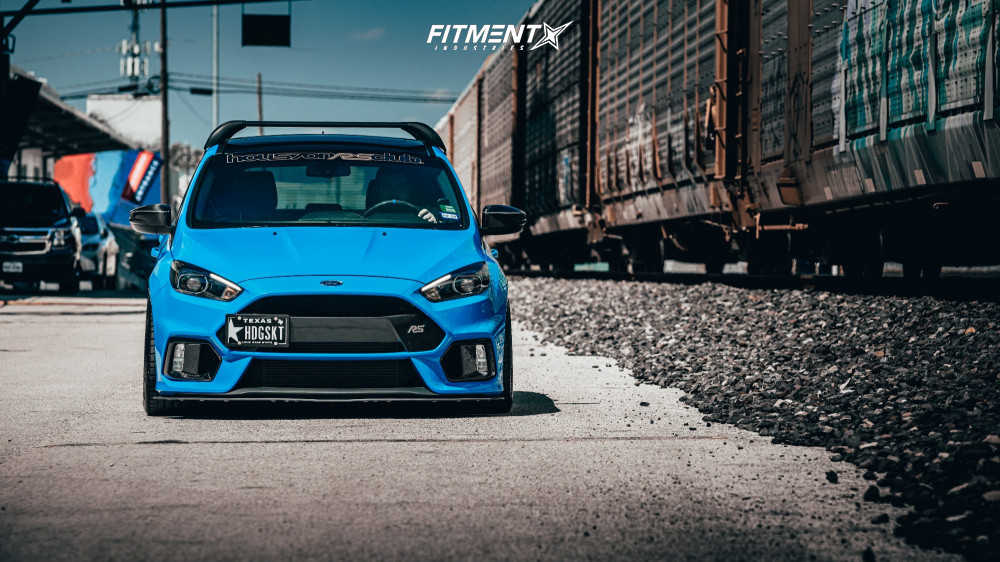 Flush 2016 Ford Focus with 18x9 Enkei RPF1 and Michelin Pilot Sport 4 S 245/40 on Coilovers - Fitment Industries Gallery