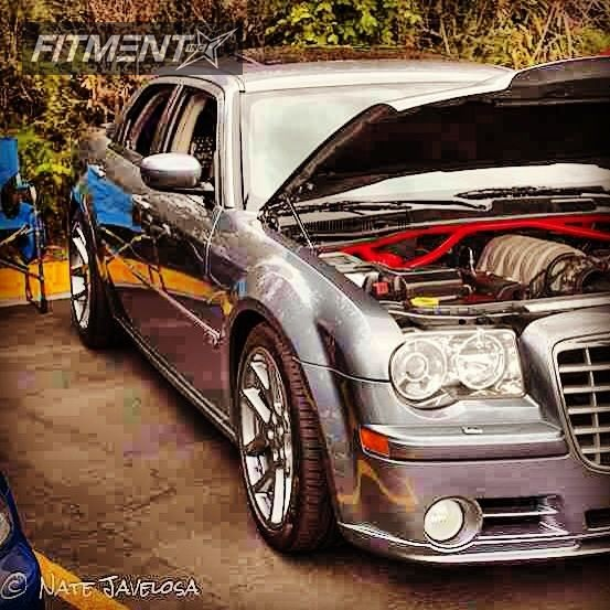 2006 Chrysler 300 Factory Reproduction Viper Lowered On