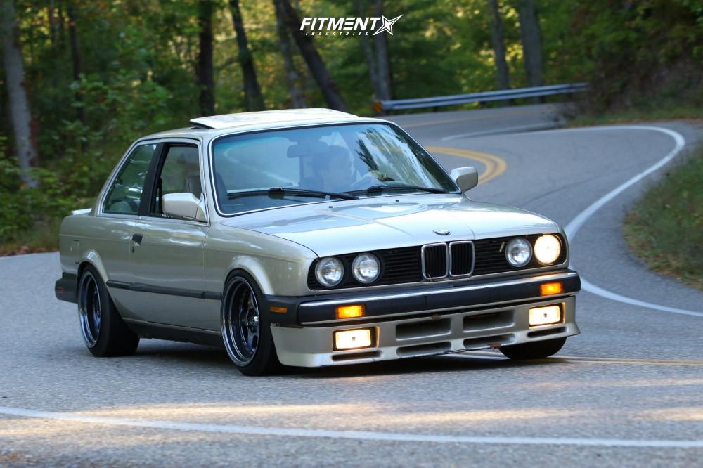 E30 BMW Lowered Toyo Extensa HP II